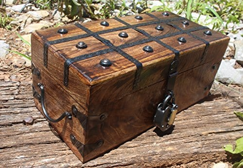 WellPackBox Wood Treasure Chest Trunk Decorative Box Rustic Wedding Card Antique Style Lock And Key 0 2