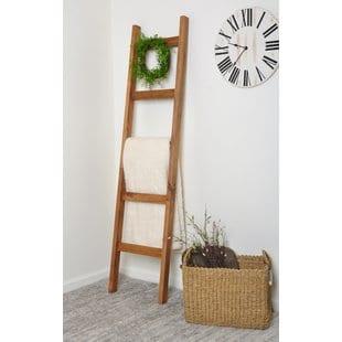 2-piece-wreath-accent-6-ft-blanket-ladder (3)