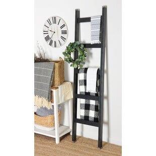 3-piece-wreath-clock-6-ft-blanket-ladder