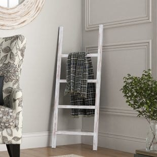 4-ft-blanket-ladder