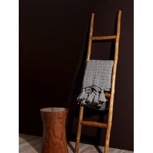 wooden-decorative-5-ft-blanket-ladder