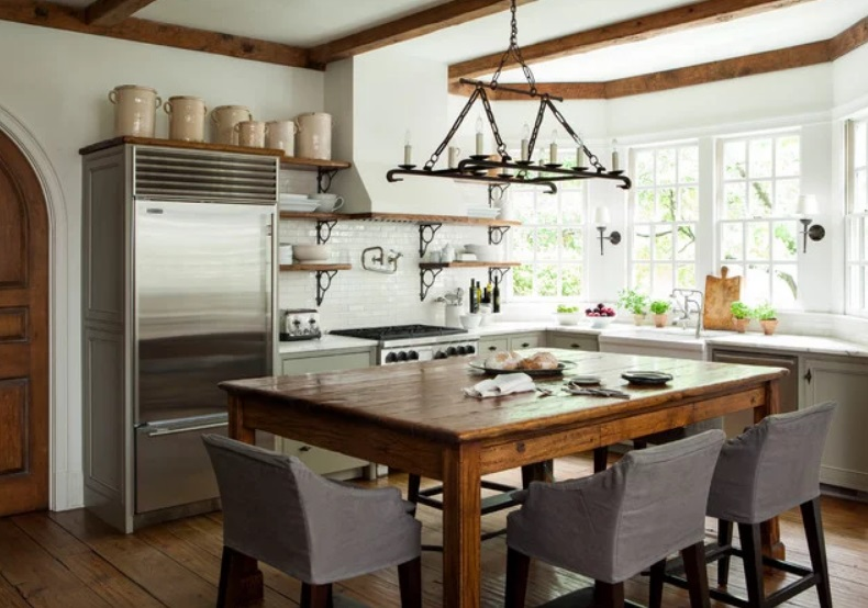 Atlanta Farmhouse Kitchen by Westbrook Interiors