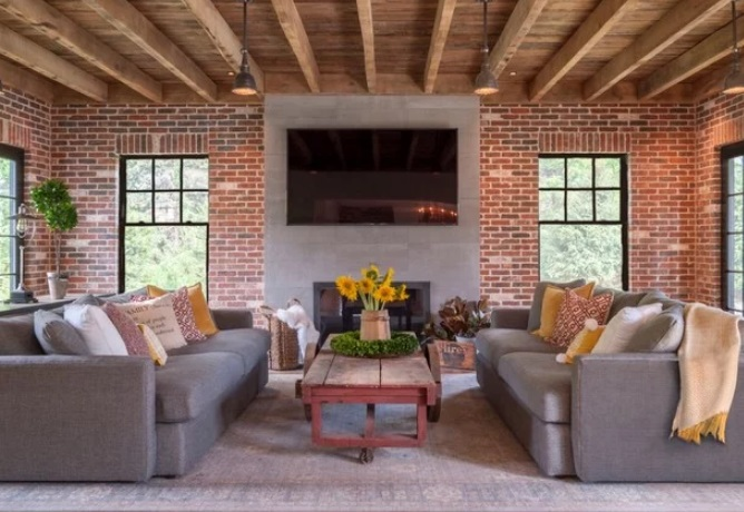Family Room by Manorbrook Homes