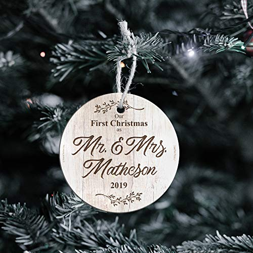 First Christmas Married Glass Ornament Mr And Mrs Personalized Rustic Farmhouse Wood Design Suncatcher Hanging Print Christmas Tree Date Display 35 Circle Free Red Velveteen Gift Bag 0 0