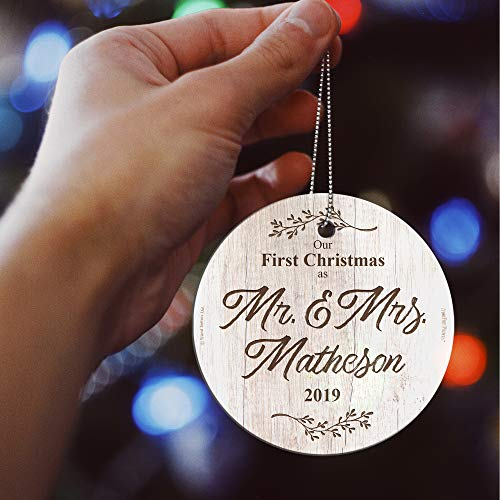 First Christmas Married Glass Ornament Mr And Mrs Personalized Rustic Farmhouse Wood Design Suncatcher Hanging Print Christmas Tree Date Display 35 Circle Free Red Velveteen Gift Bag 0 2