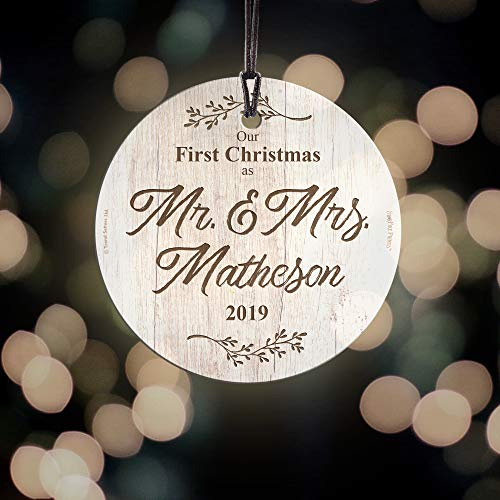 First Christmas Married Glass Ornament Mr And Mrs Personalized Rustic Farmhouse Wood Design Suncatcher Hanging Print Christmas Tree Date Display 35 Circle Free Red Velveteen Gift Bag 0 3