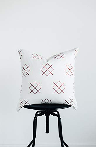 Woven Nook Decorative Throw Pillow Covers ONLY For Couch Sofa Or Bed Set Of 4 18 X 18 Inch Modern Quality Design 100 Cotton Green Red Christmas Noel 0 2