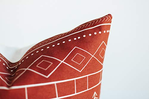 Woven Nook Decorative Throw Pillow Covers ONLY For Couch Sofa Or Bed Set Of 4 18 X 18 Inch Modern Quality Design 100 Cotton Green Red Christmas Noel 0 5