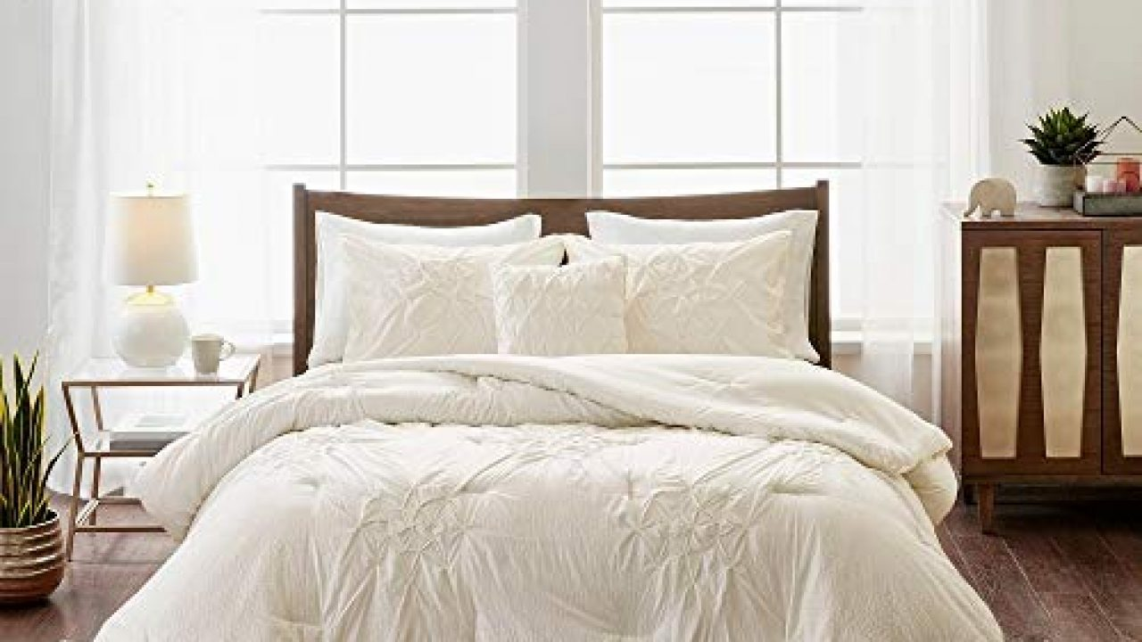 4 Piece Cottage Off White Comforter Set King Cal King Aesthetic All Over Diamond Shape Tufted Pattern Pintuck Comforter Farmhouse Goals