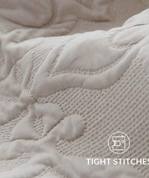 Bedsure Quilt Set Greige QueenFull Size90x96 Inches Damask Embroidered Pattern Bedspread Soft Microfiber Lightweight Coverlet For All Season 3 Pieces Included 1 Quilt 2 Shams 0 4 300x360