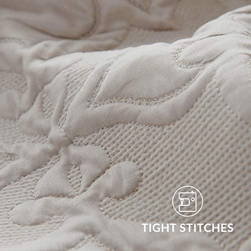 Bedsure Quilt Set Greige QueenFull Size90x96 Inches Damask Embroidered Pattern Bedspread Soft Microfiber Lightweight Coverlet For All Season 3 Pieces Included 1 Quilt 2 Shams 0 4