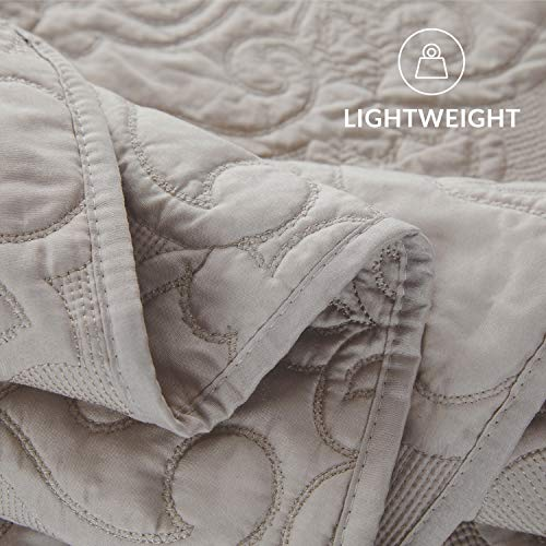 Bedsure Quilt Set Greige QueenFull Size90x96 Inches Damask Embroidered Pattern Bedspread Soft Microfiber Lightweight Coverlet For All Season 3 Pieces Included 1 Quilt 2 Shams 0 5