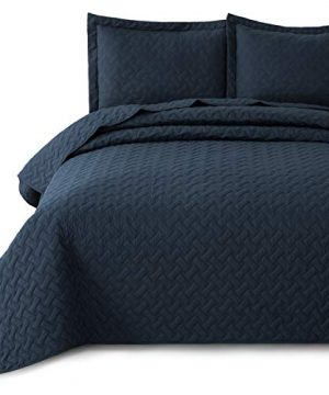 Bedsure Quilt Set Navy King Size 106x96 Inches Basket Weave Pattern Bedspread Soft Microfiber Lightweight Coverlet For All Season 3 Piece Includes 1 Quilt 2 Shams 0 300x360