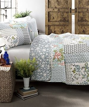Lush Decor Blue Roesser Quilt Patchwork Floral Reversible Print Pattern Country Farmhouse Style 3 Piece Bedding Set King 0 0 300x360