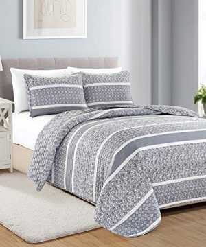 Reversible Paisley Striped Bedspread FullQueen Size Quilt With 2 Shams 3 Piece Reversible All Season Quilt Set Grey Quilt Coverlet Bed Set Kadi Collection 0 300x360
