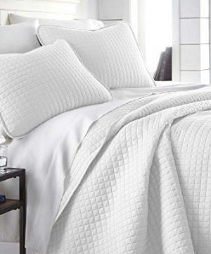 Southshore Fine Linens Vilano Springs Oversized 3 Piece Quilt Set KingCalifornia King Bright White 0 300x360