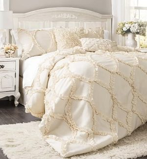 Farmhouse Comforters and Comforter Sets