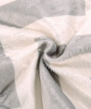 Exclusivo Mezcla Luxury Reversible Quilted Oversized Throw Blanket Soft Cozy And Large Chevron 60x70 0 1 300x360