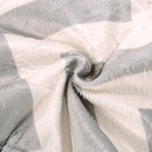 Exclusivo Mezcla Luxury Reversible Quilted Oversized Throw Blanket Soft Cozy And Large Chevron 60x70 0 1