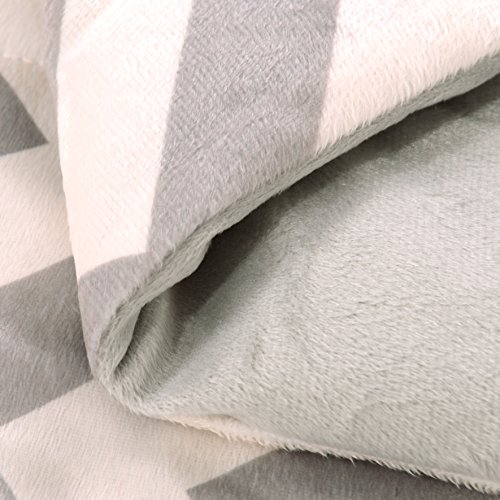 Exclusivo Mezcla Luxury Reversible Quilted Oversized Throw Blanket Soft Cozy And Large Chevron 60x70 0 2