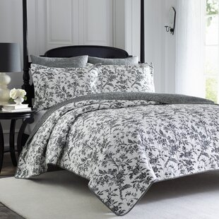 Amberley+Reversible+Quilt+Set
