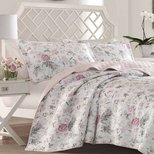 Breezy+Floral+Reversible+Quilt+Set