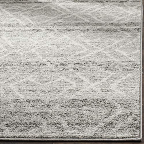 Safavieh Adirondack Collection ADR124B Silver And Ivory Vintage Geometric Area Rug 4 X 6 0 3
