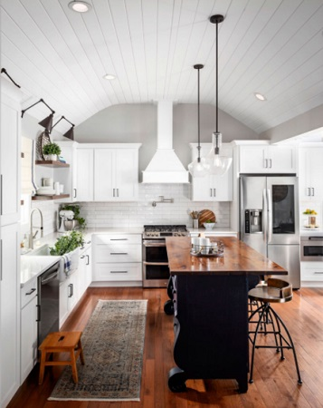 Farmhouse Style Kitchen by Paradigm Interiors