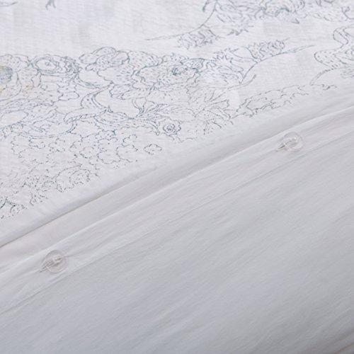 Amazon Brand Stone Beam Farmhouse Distressed Seersucker Duvet Cover Set Full Queen White And Blue 0 3