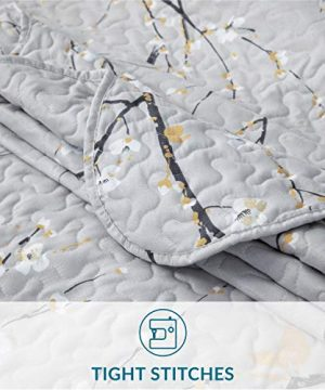 Bedsure Quilt Set Grey Twin Size Plum Blossom 68x86 Inches Bedspread Lightweight Coverlet Quilt For Spring And Summer 1 Quilt And 1 Sham 0 2 300x360