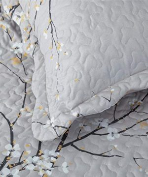 Bedsure Quilt Set Grey Twin Size Plum Blossom 68x86 Inches Bedspread Lightweight Coverlet Quilt For Spring And Summer 1 Quilt And 1 Sham 0 4 300x360