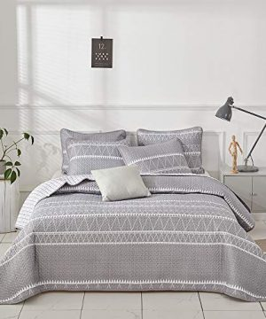 Joyreap 3 Pieces Quilt Set King Smooth Soft Microfiber Quilt Triangle Stripes On Gray Design Bedspread Bed Cover For All Season 1 Quilt And 2 Pillow Shams 104x90 Inches 0 0 300x360