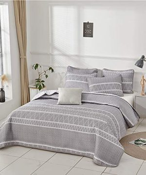 Joyreap 3 Pieces Quilt Set King Smooth Soft Microfiber Quilt Triangle Stripes On Gray Design Bedspread Bed Cover For All Season 1 Quilt And 2 Pillow Shams 104x90 Inches 0 2 300x360