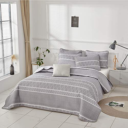 Joyreap 3 Pieces Quilt Set King Smooth Soft Microfiber Quilt Triangle Stripes On Gray Design Bedspread Bed Cover For All Season 1 Quilt And 2 Pillow Shams 104x90 Inches 0 2