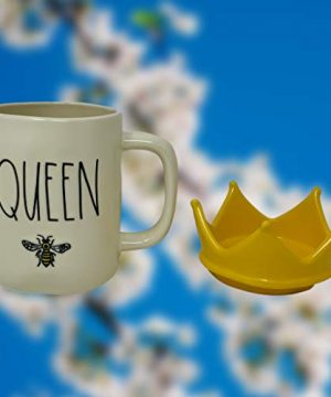 RAE DUNN QUEEN BEE MUG WITH YELLOW CROWN LID TOPPER Artisan Collection By Magenta Perfect Match To All Of Your Rae Dunn Collection And Home Kitchen Decor Perfect For The Queen Bee In Your Life 0 4 300x360