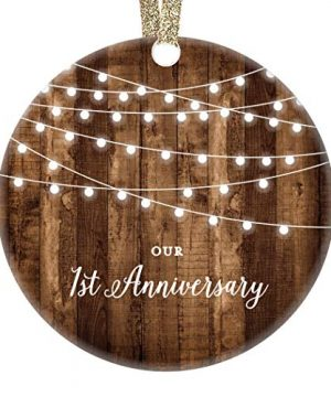 DIGIBUDDHA 1st Anniversary Gifts First Anniversary Married Christmas Ornament For Couple Mr Mrs Rustic Xmas Farmhouse Collectible Present 3 Flat Circle Porcelain With Gold Ribbon Free Gift Box 0 300x360
