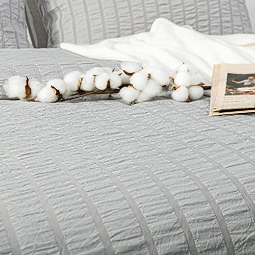 NTBAY Seersucker King Textured Duvet Cover Set 3 Pieces 1 Duvet Cover 2 Pillow Cases Light Grey Stripe Washed Microfiber Comforter Cover With Zipper Closure King 104x90 Inches Light Grey 0 4